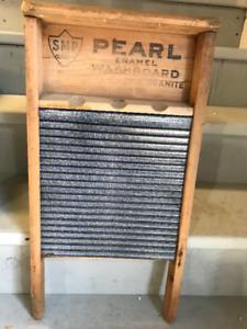 VINTAGE / ANTIQUE PEARL ENAMELED STEEL SURFACE WOOD  WASHBOARD
