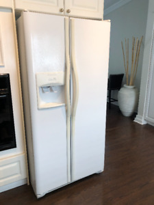 White side by side Fridge - Frigidaire