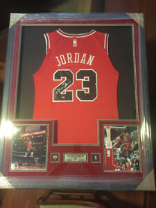 MICHAEL JORDAN Framed Signed Chicago Bulls NBA Basketball Jersey