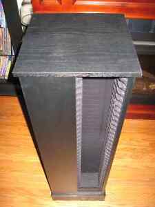 CD STAND TOWER HOLDER , FOR GAMES OR MOVIES , HOLDS 132 CDS Cambridge Kitchener Area image 1