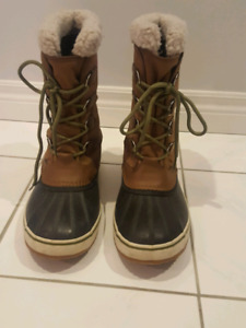 Mems Sorels for Sale size 11