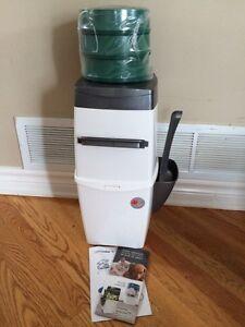 LitterLocker II cat waste disposal unit