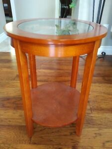 Glass Top End/Plant Table
