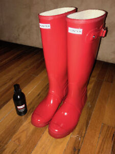 Tall Glossy Red Hunter Boots - Size 9.