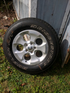 Jeep Sahara 18inch Rims with Tires!