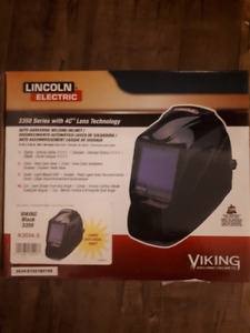 Lincoln auto-darkening welding helmet (NEW)