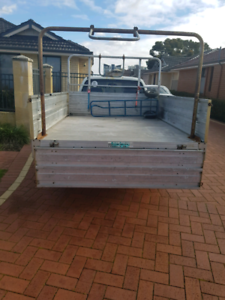 large ute/truck for deliveries removal courier