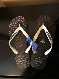 Playstation Flip Flops Havaianas Very rare - Only one in Canada