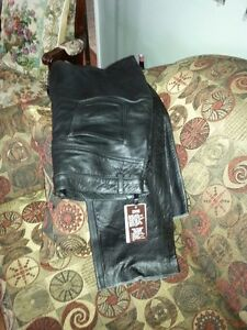womans Leather Pants/Never Worn