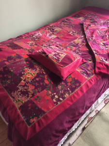 QUILT, PILLOW & RUNNERS by April Cornell