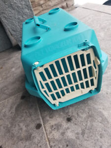 Green Pet Voyageur 100 Carry Kennel for puppy or cat