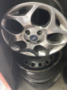 MAGS FORD FOCUS 16 POUCE