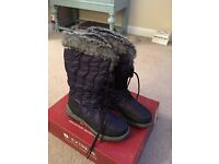 Mountain Warehouse Snow boots size 7