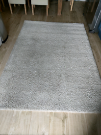 Beige shaggy medium size rug 135cm x 200cm
