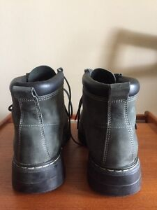 Men's Roots Tuff Boots. Size 10. Winter Boots. London Ontario image 4
