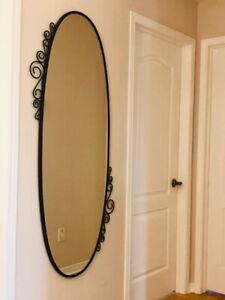 Metal Frame Oval Mirror / Miroir ovale