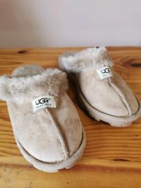 662710fe207 Ugg-slippers in Scotland - Gumtree