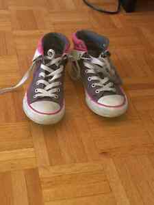 Converse sneakers for girls/ Soulier converse pour fille