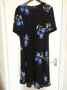 Woman's Maggy London Dress