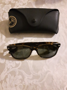 RAY-BAN WAYFARERS FROM SUNGLASS HUT