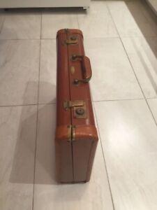 Malette antique de marque Flite 69 by Dominion Luggage Canada