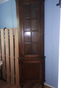 Maple wood corner display hutch REDUCED!