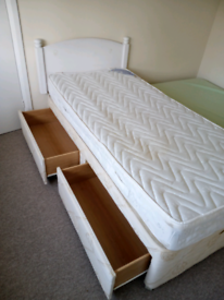 Reduced! Divan single bed -must sell