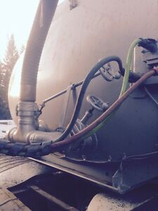 For sale or rent, 2 Tridem tanker trailers, ready to work.