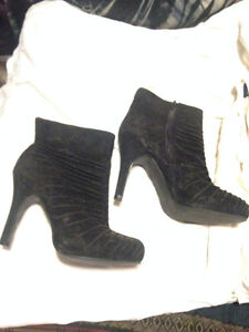 Womens high heel low rise black suede zip up boots size 7 $20.00