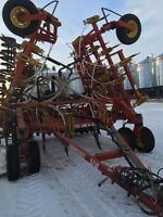 5710 34.5 ft- 1998 Bougault Air Drill