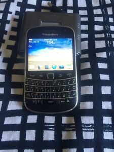 BB9900 touch screen excellent condition cheap unlock works with