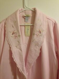 BRAND NEW PINK EMBROIDERED BATH ROBE