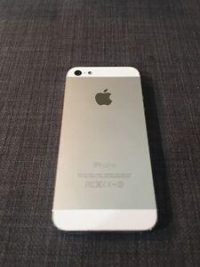 Like New Condition iPhone 5 16GB UNLOCKED Edmonton Edmonton Area image 2