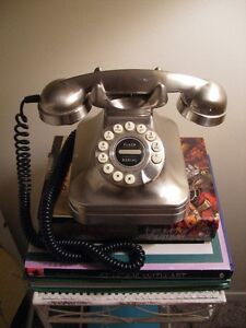 VINTAGE/ANTIQUE INSPIRED PHONE FROM POTTERY BARN