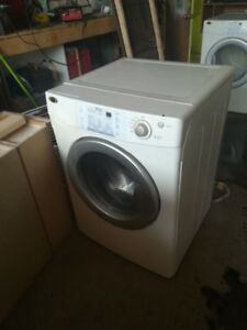 Laveuse Frontale MAYTAG et four