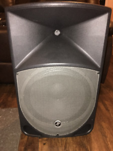 "MACKIE Powered 15"" THUMP Speaker"