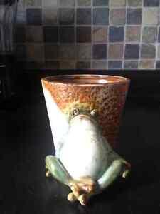 Frog Plant Holder