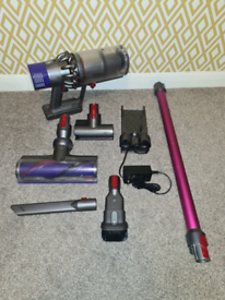 DYSON V10 CORDLESS VACUUM CLEANER