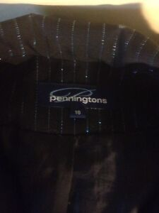 Penningtons size 18 blouse Stratford Kitchener Area image 2