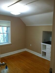 Student rooms for rent  - Steps to school Kitchener / Waterloo Kitchener Area image 10