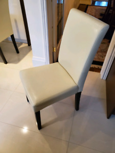 Fs: 6 x white parsons side chair's