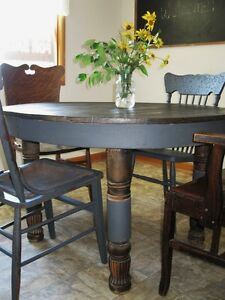 Antique Round Farmhouse Dining or Kitchen Table