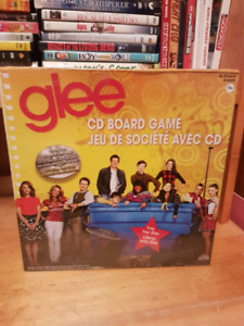 Glee CD Board Game ( new in plastic)