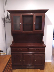 Cherry colored wood hutch/ buffet