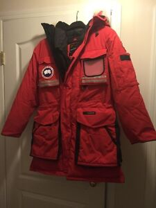 Canada Goose' Women's Snow Mantra Parka Red Size Xs