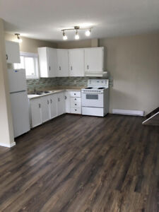 2 Bed / 1 Bath Duplex for Rent