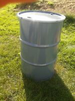 45 Gallon steel drums w/removable lid