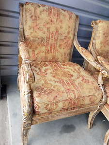 BEAUTIFUL ACCENT ARM COMFORTABLE CHAIRS