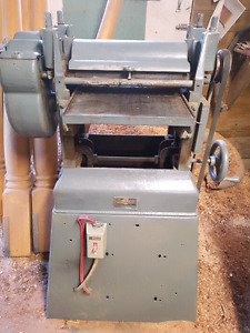 Industrial thickness planer