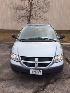 2006 Dodge Caravan Minivan, Very low mileage